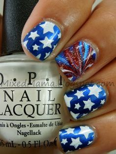 MixedMama: Of July Nails: Look Water marbling that looks like a firework? Incredible stamping too. Love Nails, How To Do Nails, Fun Nails, Pretty Nails, 4th Of July Nails, 4th Of July Fireworks, July 4th, Firework Nail Art, Patriotic Nails