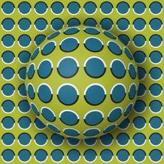 É a bola que está rolando ou o fundo que está se mexendo? - Shutterstock