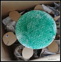 Crafty Kids at Home: Bubble wrap Tortoise arts and crafts junk play activity for kids. Ideal for toddlers, preschooler and older children to make together. Great activity to go with the Roald Dahl book Esio Trot.