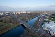 Pardubice jak je neznáte. Podívejte se na město z telefonní ústředny | Pardubice Opera House, Lab, Building, Travel, Cinema, Viajes, Buildings, Labs, Destinations