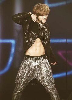 EXO - Luhan. Okay thats it!!! I am putting a bullet to my head! I cant take his hotness anymore. This just went over the line.