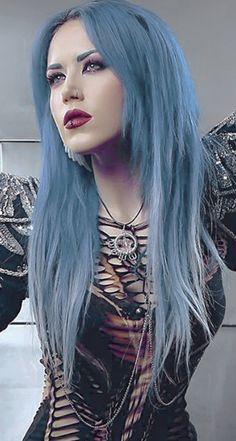 Chica Heavy Metal, Heavy Metal Girl, Heavy Metal Music, Death Metal, Gothic Girls, Metal Meme, Dani Filth, Vampire Pictures, Ladies Of Metal