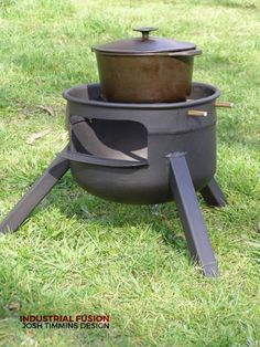 Little Champion, Square leg Dutch Oven Cooking, Cooking Stove, Fire Cooking, Outdoor Cooking, Gas Bottle Bbq, Gas Bottle Wood Burner, Fire Pit Grill, Diy Fire Pit, Grill Oven