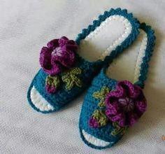 S Crochet Art, Crochet Slippers, Slipper Socks, Crochet Necklace, Baby Shoes, Knitting, Clothes, Fashion, Socks