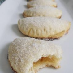 Mexican Sweet Breads, Mexican Food Recipes, Cookie Recipes, Sweet Empanadas Recipe, Mexican Empanadas, Hispanic Desserts, Mexican Cookies, Lemon Cream Pies, Pan Dulce