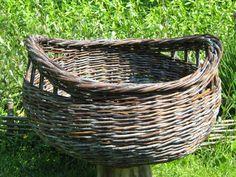 Willow Weaving, Basket Weaving, Basket Decoration, All Craft, Wicker Baskets, Mansion, Design, Ideas, Hampers