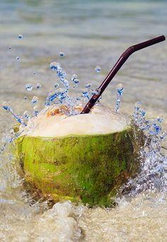 Benefícios da água de coco: hidratação pós-treino
