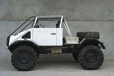 Post-apocalypse zombie vehicle