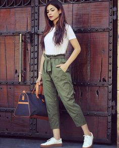 6 easy weekend outfits that still look chic Teen Fashion Outfits, Casual Fall Outfits, Grunge Outfits, Fashion Pants, Look Fashion, Girl Outfits, Fashion Dresses, Casual College Outfits, Summer Pants Outfits