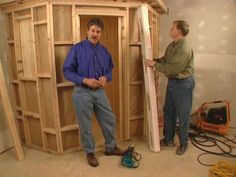 "How to Build a Home Sauna : How-To : DIY Network Interesting ""build into the corner"" design. Basement Sauna, Basement Remodeling, Kitchen Remodeling, Sauna Steam Room, Sauna Room, Building A Sauna, Building A House, Off The Grid, Outdoor Sauna"