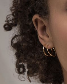 "norrfolks on Instagram: ""Light on your ears and soft on the planet 🌿🌎 Perfect a clean and minimal jewelry look with the Skinny Hoops Small, sustainably crafted from…"" Minimal Jewelry, Shallow, Ears, Hoop Earrings, Skinny, Crafts, Instagram, Manualidades, Handmade Crafts"