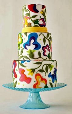 Cool☆ Wedding cake ☆ At Crystal Gardens, we pride ourselves in providing an elegant atmosphere, a delectable menu and a professional staff, giving you the absolute best in banquet service.  http://www.cgliv.com/