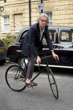sir paul smith on a limited range paul smith tour bike by mercian.