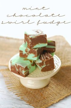 Mint Chocolate Fudge | www.wineandglue.com | A simple fudge recipe that looks fancy and tastes amazing!