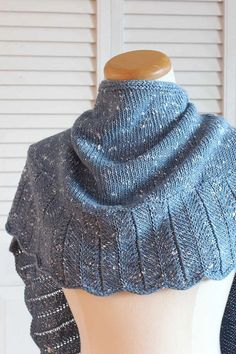 Knitting Pattern: Tweedy Shawl. You can wear it like a shawl or like a large scarf. Click to see other photos and have more information.