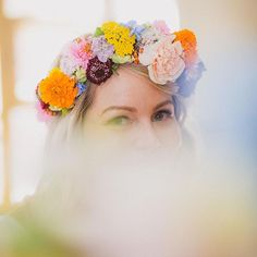 Beautiful bride in her summer-dream floral crown 💐👑💕 📷 Summer Dream, Flower Crowns, Floral Crown, Beautiful Bride, Flowers, Royal Icing Flowers, Floral Crowns, Flower Crown, Flower Crown