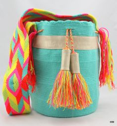 Shoulder Bag -Mochila Wayuu Original Handmade modified and finished by me Tapestry Bag, Tapestry Crochet, Crochet Crafts, Knit Crochet, Art Bag, Linen Bag, Crochet Handbags, Quilted Bag, Trendy Accessories