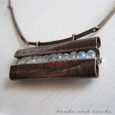 Copper and moonstone necklace, fodforming | Handmade by Beads and Tricks