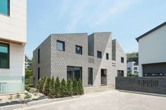 "Completed in 2017 in Suwon-si, South Korea. Images by Song Yousub. The Masonry, a multi-family house in Korea, seeks a playful game of ""scale"" in two aspects, the building itself and bricks in its façade. The site..."