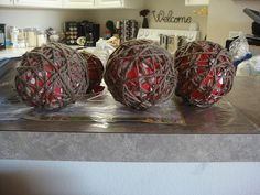 Great tutorial from Two Girls Being Craft on making your own jute balls - great for adorning fall wraeths