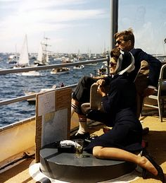This photo of JFK and Jackie is timeless. Romantic ♥ I bet they were off Martha's Vineyard. : )
