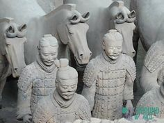 Die Terrakotta Armee vom Kaiser Qín Shǐhuángdì in Halle 1 – Terracotta Warriors of the first emperor Qín Shǐhuángdì in Pit 1 in Xi'an, China