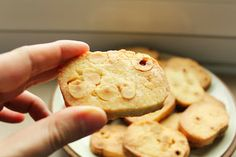 Colazione per tutti: Biscottoni alle nocciole