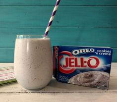 OREO Cookies and Cream Smoothie PTS 1 cup non-fat milk cup plain greek yogurt or vanilla greek yogurt 6 tsp. grams) JELLO OREO Cookies and Cream Instant Pudding tsp. vanilla extract (omit if using vanilla greek yogurt) tsp stevia, to taste 1 cup ice Oreo Smoothie, Smoothie Drinks, Smoothie Recipes, Smoothie Ingredients, Yummy Drinks, Healthy Drinks, Healthy Snacks, Healthy Recipes, Dessert Healthy