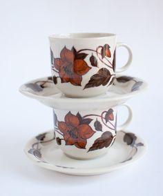 ARABIA FINLAND 'Café' Coffee Cups, OneLittleBirdShop on Etsy, £14.00 Coffee Shop, Coffee Cups, Tea Cups, Vintage Kitchen, Retro Vintage, Kitchenware, Tableware, Finland, Tea Time
