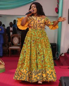 People will try to destroy you with words, and that's terrible, but believing those words is even worse. Don't let people get to you. African Dress Patterns, Best African Dresses, Short Ankara Dresses, Ankara Skirt And Blouse, African Traditional Dresses, African Attire, African Fashion Dresses, African Wear, Plus Size Wedding Gowns