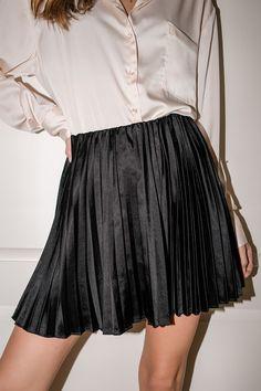 Pleated Mini Skirt, Satin Skirt, Flowy Skirt, Blouse And Skirt, Chiffon Skirt, Mini Skirts, Kilt Skirt, Dress Skirt, Buy Skirts Online