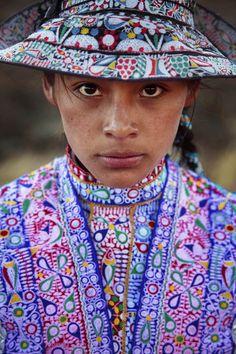 """Para a fotógrafa Mihaela Noroc, beleza significa autenticidade e foi em busca de mulheres pelo mundo para registar a diversidade da graça feminina para o projeto """"The Atlas of Beauty""""."""