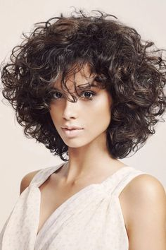 Curly or Wavy Short Haircuts for 25 great short bob hairstyles for your face shape Bob Haircut Curly, Haircuts For Curly Hair, Curly Hair Cuts, Short Curly Hair, Curled Hairstyles, Wavy Hair, Short Hair Cuts, Hairstyles 2018, Bob Haircuts