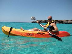 Kayak con surf and sail Menorca - http://SurfSailMenorca.com #menorcanatural #kayakmenorca