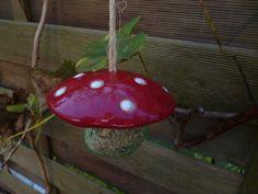 Keramikmeisenknödelhut  - Fliegenpilz rot von KeramikSchneider auf DaWanda.com