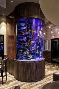 An aquarium is a pleasant manner of displaying that you simply love nature and that youve a need to deal with it. A house aquarium is one of the best. Aquarium Marin, Aquarium Fish Tank, Fish Tank Design, Cool Fish Tanks, Amazing Aquariums, Aquarium Design, Tanked Aquariums, Interior Decorating, Luxury Houses