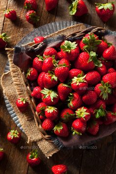 ◡ [GET]▥ Raw Red Organic Strawberries Agriculture Beautiful Berry Cut Delicious Dessert Strawberry Fruit, New Fruit, Fruit And Veg, Fruits And Vegetables, Strawberry Patch, Strawberry Fields, Strawberries, Vegetables Photography, Fruit Photography