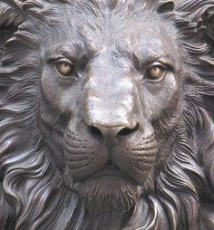 i love lions Wooden Statues, Paludarium, Lion Art, Ceramic Animals, Outdoor Sculpture, Sculpture Clay, Animal Sculptures, Metal Art, Sculpting