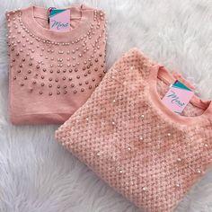 Terminando o domingo com essa cor linda que amamos 🥰♥️ | que a sua semana seja iluminada 🙏🏼✨ . #boanoite #sunday #mood #modal #blusao #pink… Merci Boutique, Straw Bag, Bags, Fashion, Colors, Domingo, Handbags, Moda, Fashion Styles