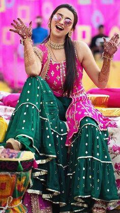 Latest Collection of Lehenga Choli Designs in the gallery. Lehenga Designs from India's Top Online Shopping Sites. Pakistani Bridal, Bridal Lehenga, Red Lehenga, Lehenga Choli, Anarkali, Muslim Wedding Dresses, Wedding Dresses For Girls, Bridal Dresses, Sangeet Outfit