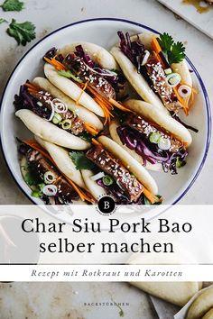 Char Siu Pork Bao mit mariniertem Rotkraut ist ein Klassiker aus der kantonesischen Küche. In unserem Rezept zeigen wir dir, wie du es einfach daheim selber zubereiten kannst.  #baobuns#charsiu#pork#kantonesisch#teigtaschen#kochenmitdampf#dampfgarer