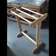 Free-Standing Cedar Towel Rack Woodworking Plan by Coupza