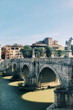 This is one of our favorite views in Rome! The stunning Ponte Sant'Angelo! Visit this bridge around the golden hour for the most beautiful view #iliveitaly #rome #roma #pontesantangelo