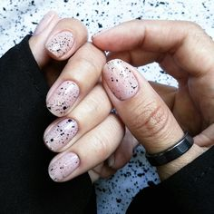 Related posts:Medium white nails and glitterMauve amazing nailsSimple almond sha. - - Related posts:Medium white nails and glitterMauve amazing nailsSimple almond shaped nails Minimalist Nails, Short Nail Designs, Nail Art Designs, Hair And Nails, My Nails, Design Ongles Courts, Black Nail Art, Black And White Nail Art, Almond Shape Nails