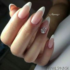 A misconception that beautiful manicure can only be on long nails. We have collected a selection of design ideas for a spectacular manicure. Almond Acrylic Nails, Cute Acrylic Nails, Cute Nails, Pretty Nails, Almond Nail Art, French Acrylic Nails, French Nail Art, Bride Nails, Wedding Nails