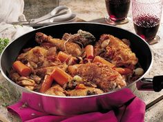 Coq au Vin - Looking for a hearty dinner recipe for six? Then check out this French-classic featuring bacon, chicken, Progresso® broth and veggies.