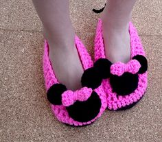 Ravelry: Minnie Mouse Crochet Shoes Child Pattern pattern by Beauty Crochet Pattern ༺✿ƬⱤღ  http://www.pinterest.com/teretegui/✿༻