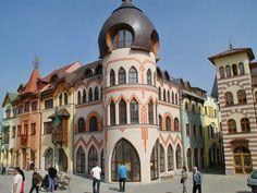 Nádvorie Európy 1 - Juraj Bondora, 0948 166 114 Bratislava, Eastern Europe, Taj Mahal, Places To Visit, Building, Arm, Travel, Chair, Finance