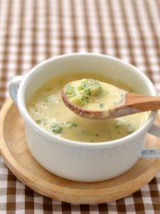 ブロッコリーのコーンクリームスープ Cheeseburger Chowder, Soup Recipes, Food, Meal, Essen
