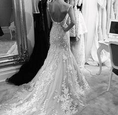 vestido de noiva perfeito, com decote nas costas